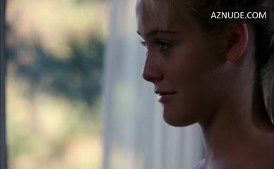 ALICIA SILVERSTONE in The Crush