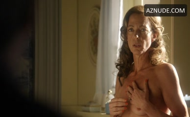 ALLISON JANNEY in Masters Of Sex