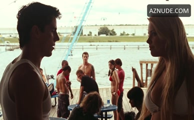 AMBER HEARD in Never Back Down