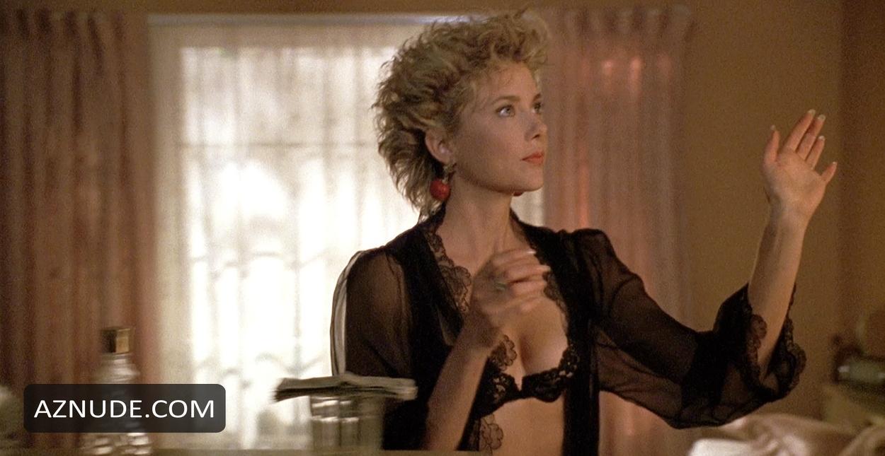 Annette bening julianne moore sex scene you tell