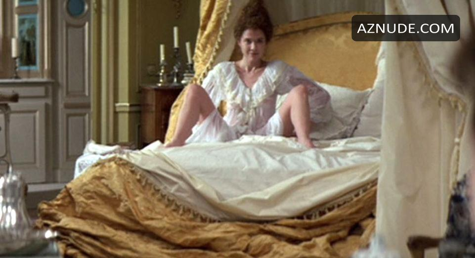 Annette bening nude scene in the grifters scandalplanetcom - 2 part 1