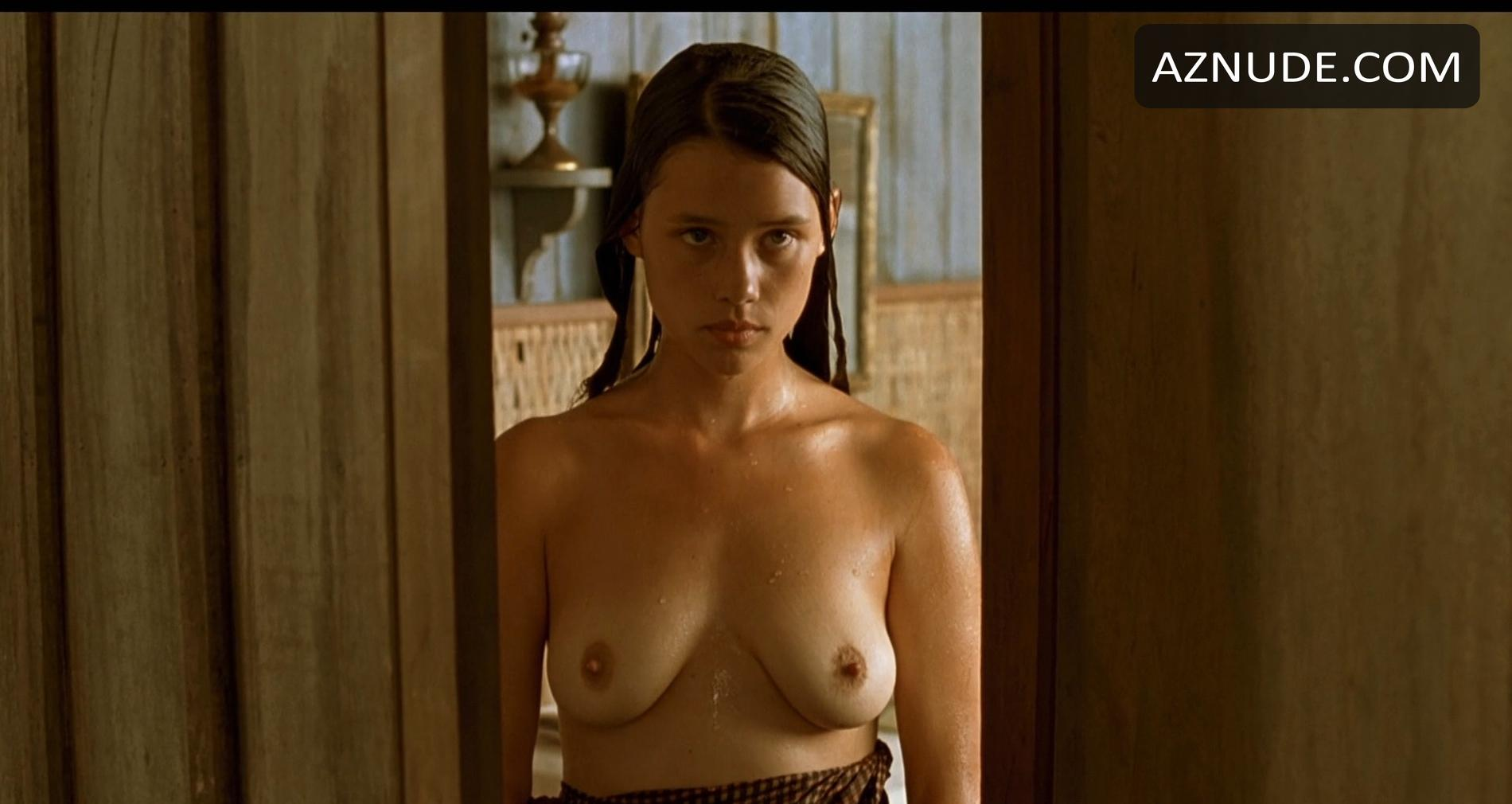 Angelina jolie nude tits in 039foxfire039 on scandalplanetcom - 1 part 4