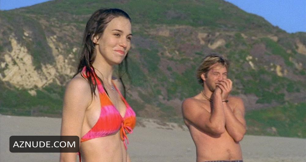 Christy Carlson Romano Loses a Bet! - YouTube