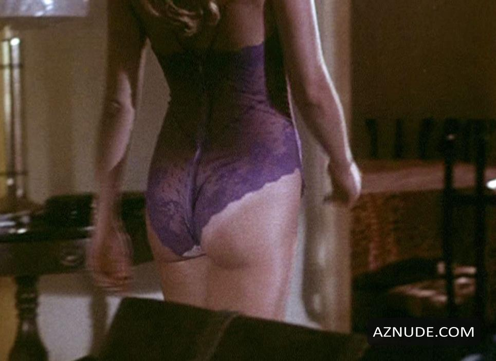 sexy nude girls short skirt