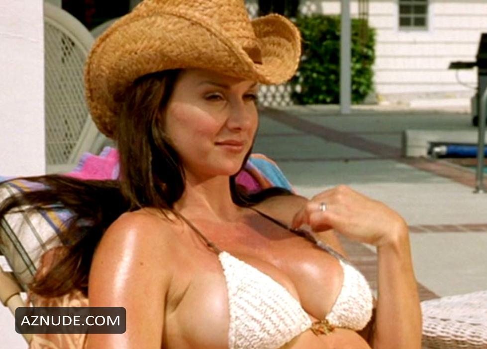 Debbe dunning bikini turns out?