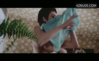EDWIGE FENECH in Strip Nude For Your Killer