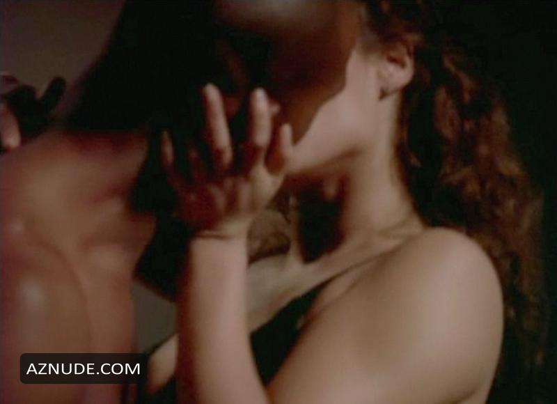 Elizabeth berkley nude movie pics