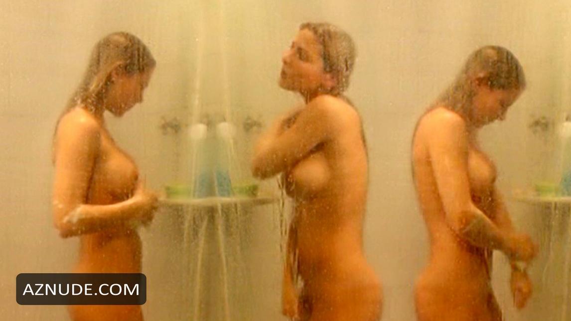Nude woman fucking man