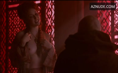 ESME BIANCO in Game Of Thrones