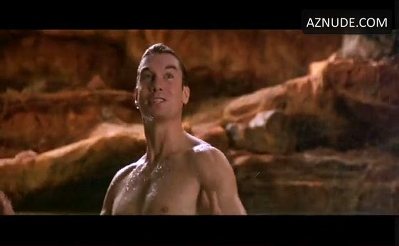 Estella Warren Sexy Scene in Kangaroo Jack - AZNude