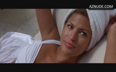 EVA MENDES in 2 Fast 2 Furious