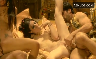 GABRIELLA FOX in Pirates Ii: Stagnetti'S Revenge