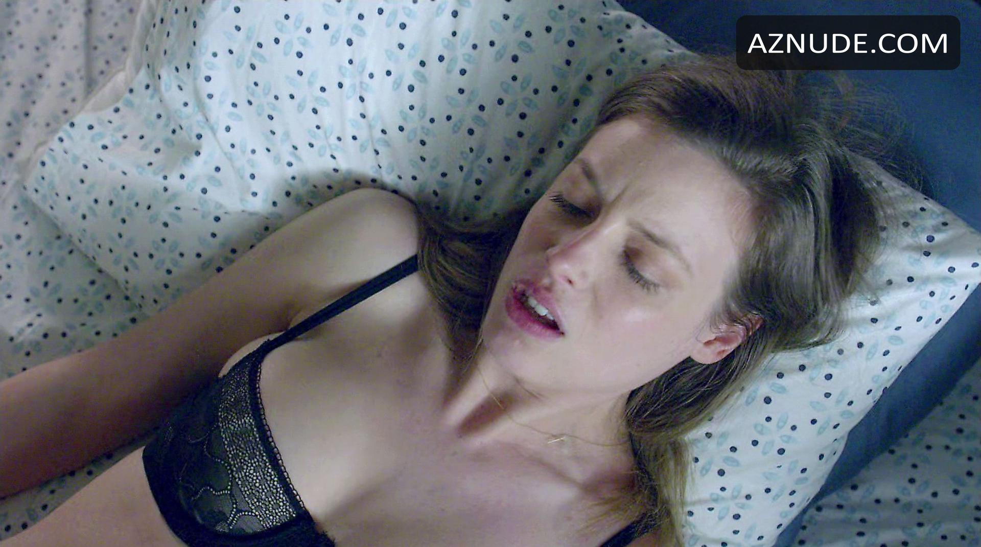 Gillian jacobs love sex scene