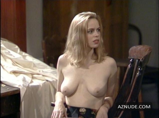 nude Camille coduri