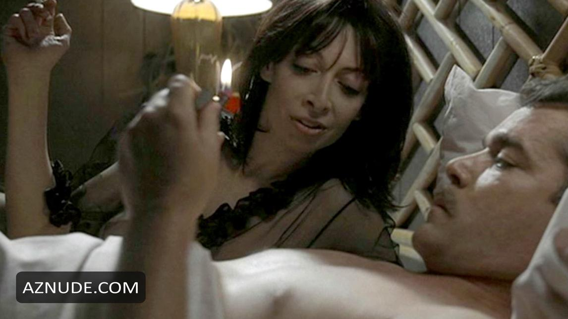 Illeana douglas nude photos