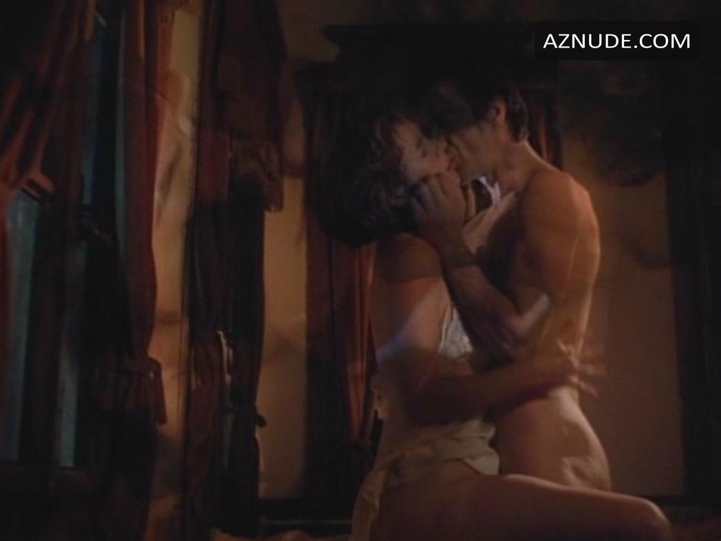 jennifer tilly erotic