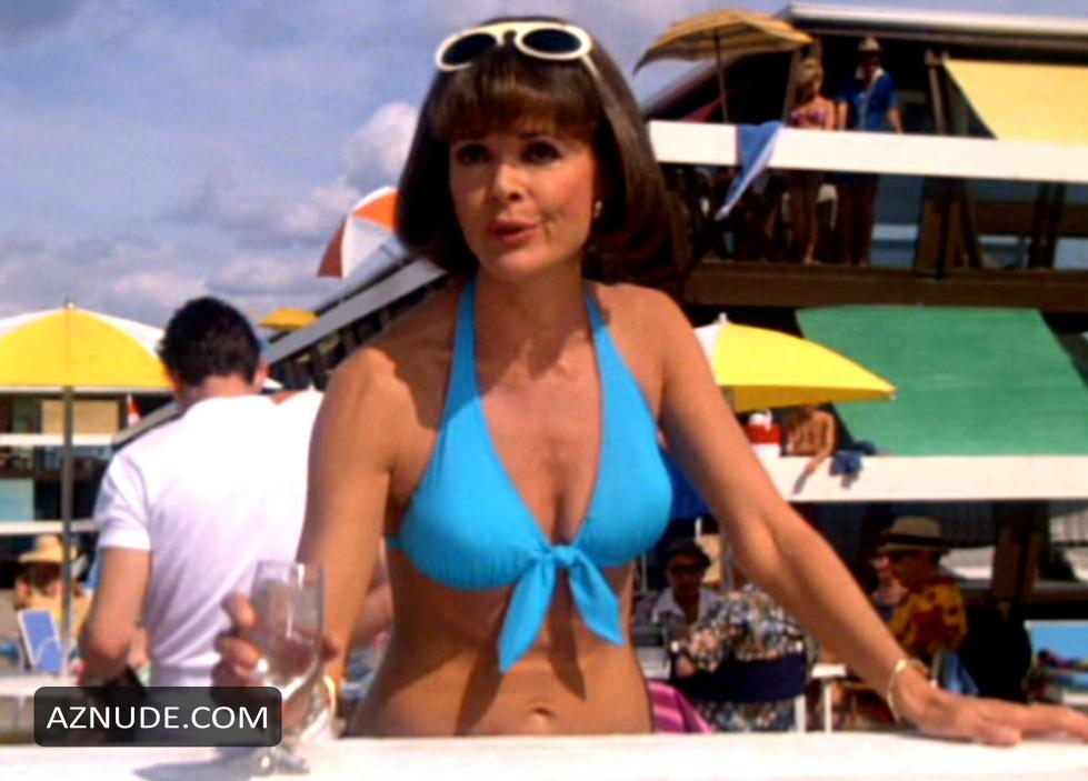 orgasmic glamour lady huge tits big boobs