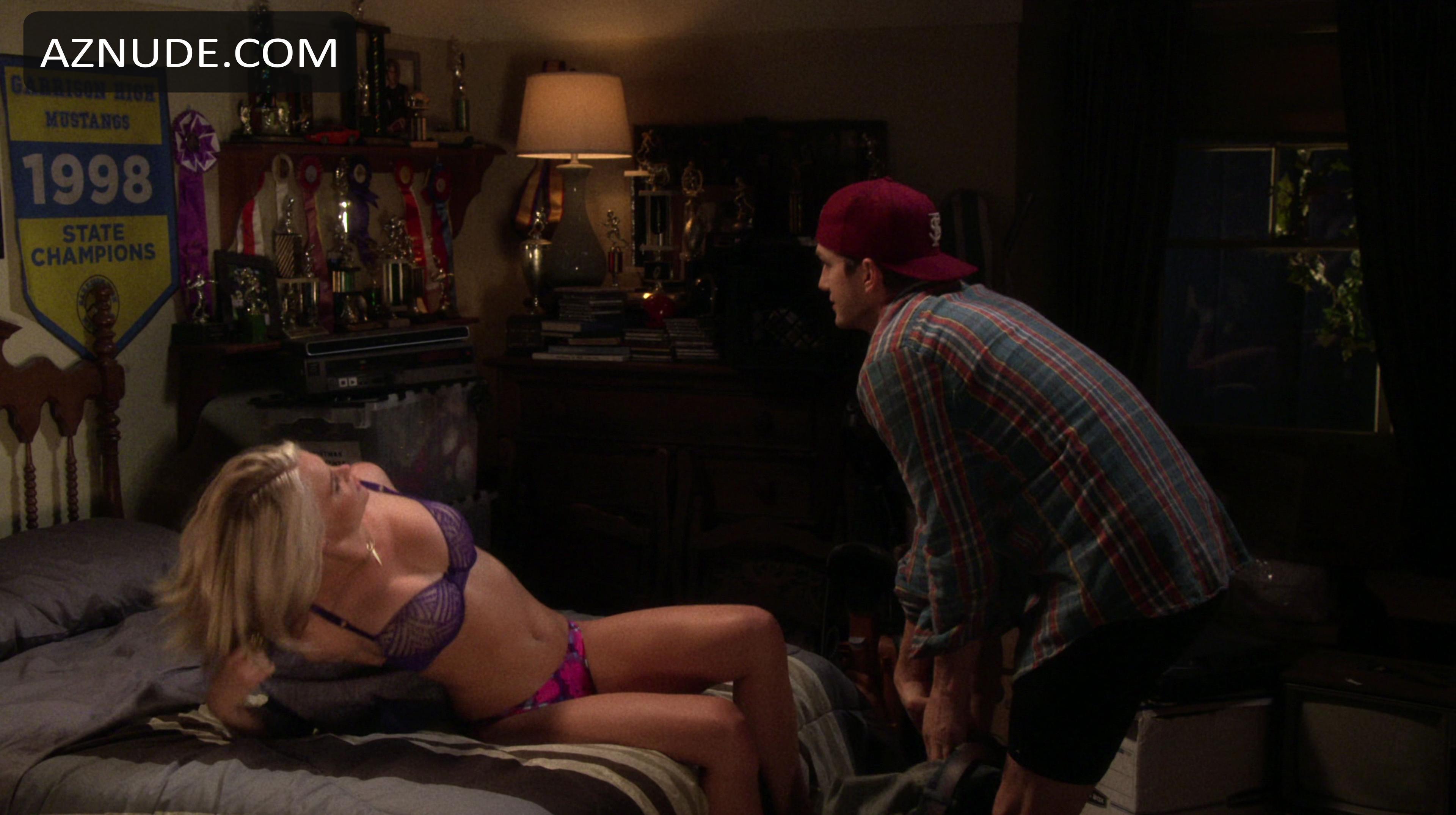Mature latex orgasm