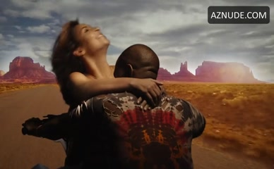 KIM KARDASHIAN WEST in Bound 2