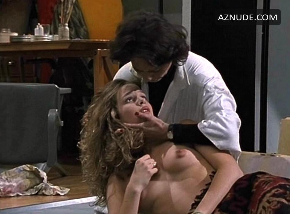 Tini Plate Nackt
