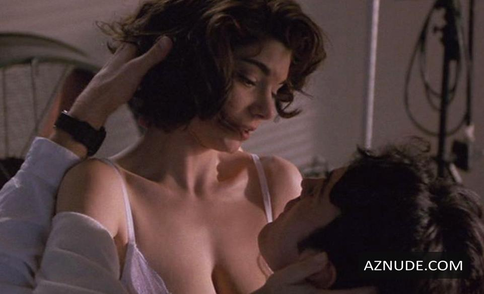 Laura san giacomo boobs gif