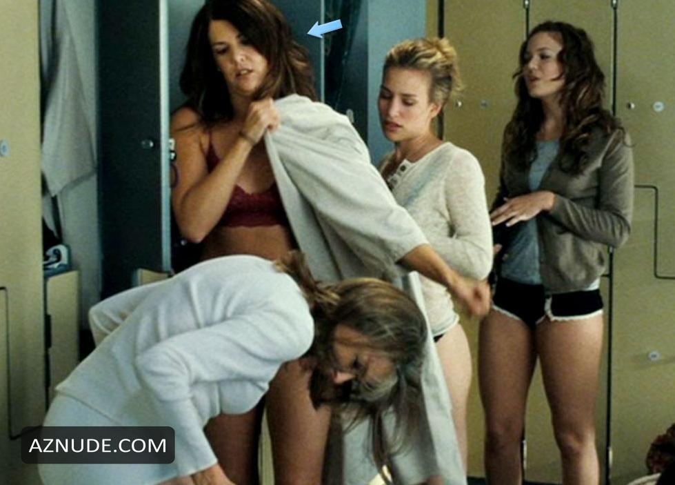 naked girl poop on boy photo
