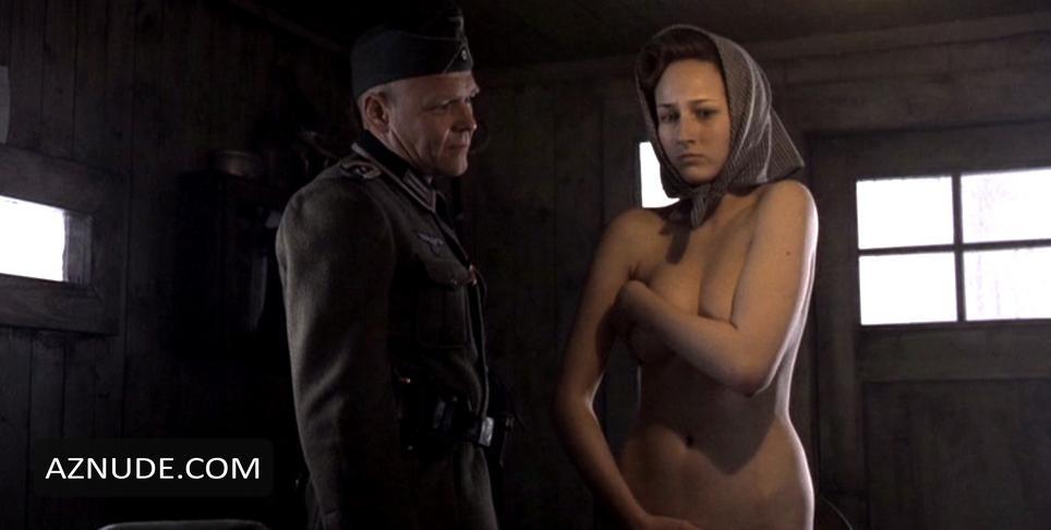 voennie-filmi-s-elementami-erotiki
