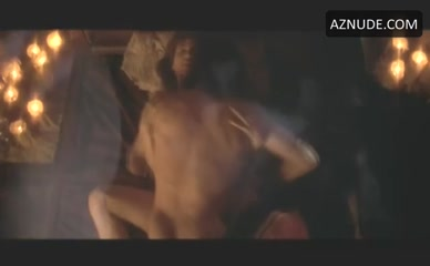 Scene sex barbuscia lisa highlander