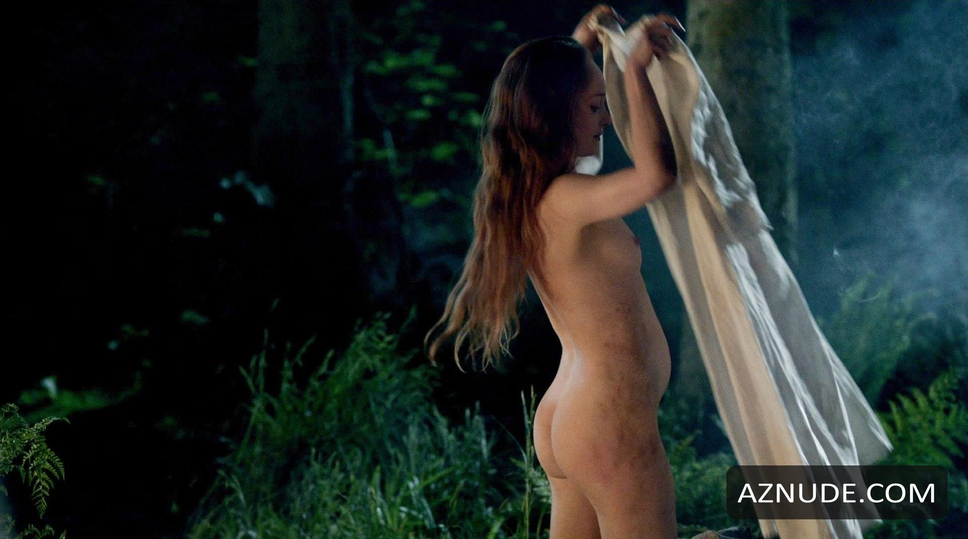 Caitriona balfe and lotte verbeek nude outlander s01e10