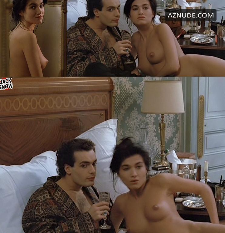 Naked Mrs