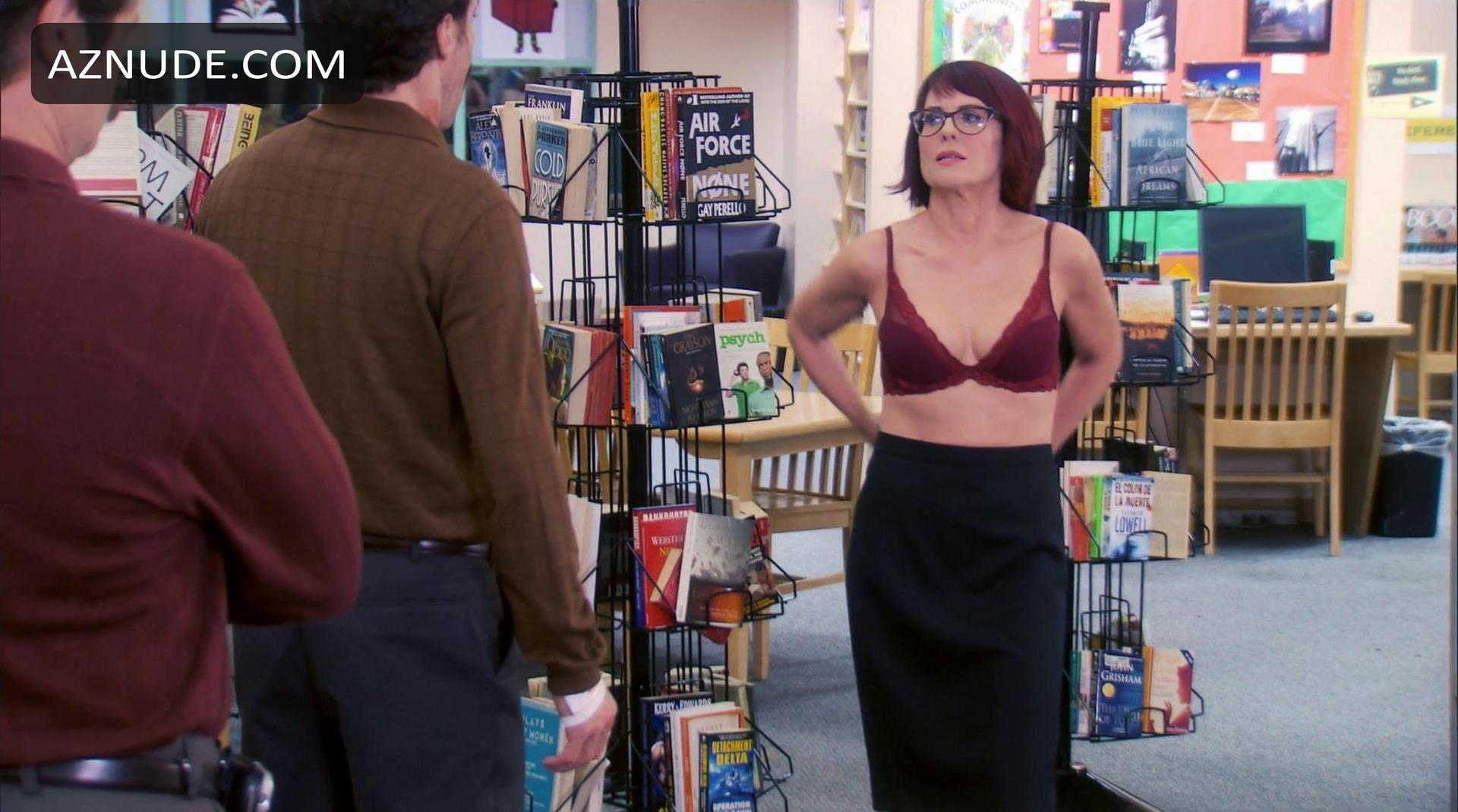 Was Fake nudes of megan mullally