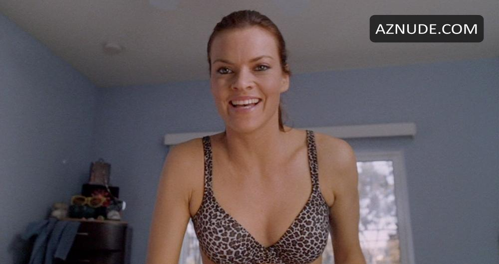 Kind missi pyle bikini shows