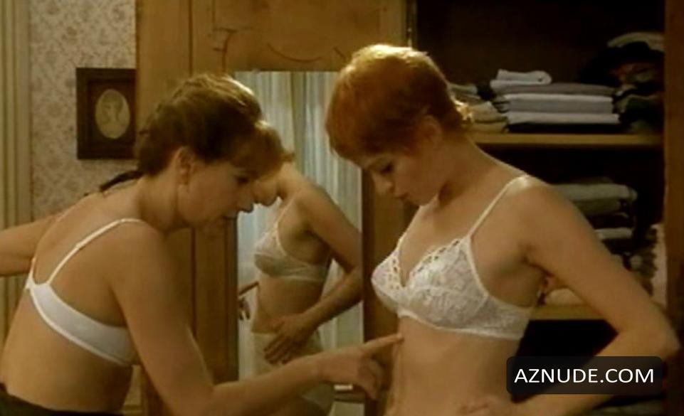 ringwald naked mollie