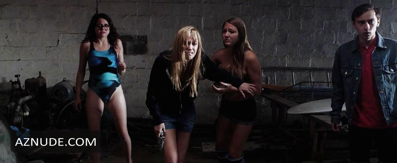 it follows nude scenes aznude