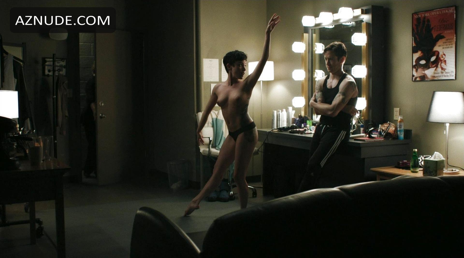 Raychel diane weiner nude