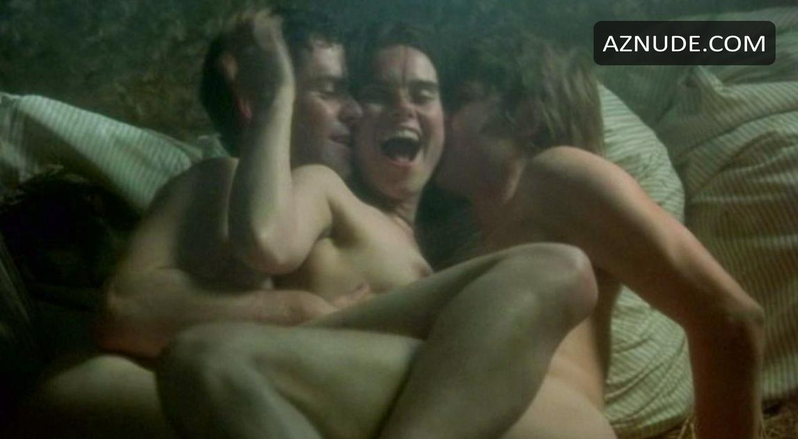 most nude scenes in a movie № 56966