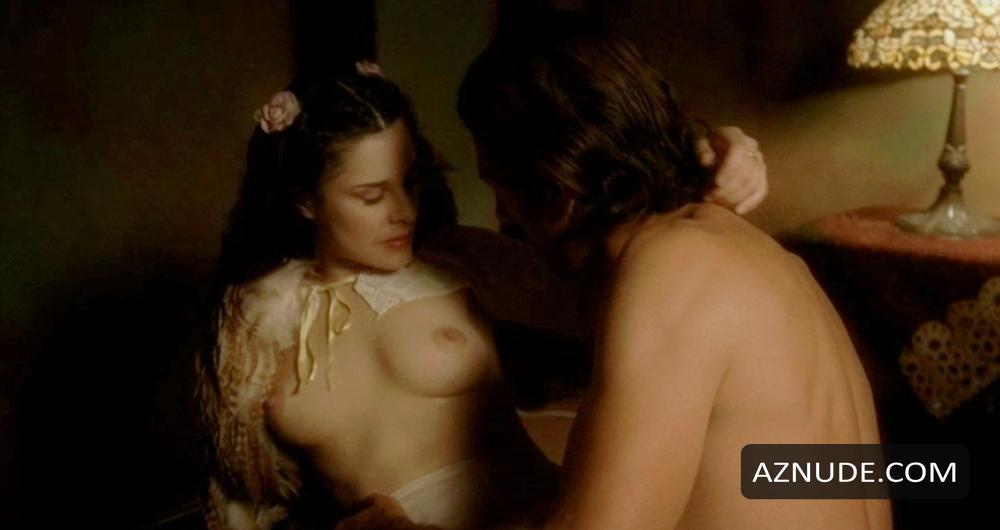 Women nude sarah lassez naked pics bra porn
