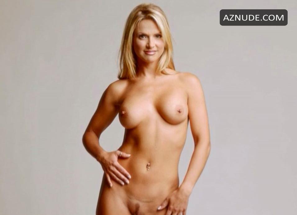 savana naked