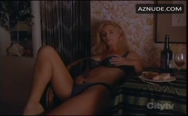 SHANNON TWEED in Scorned