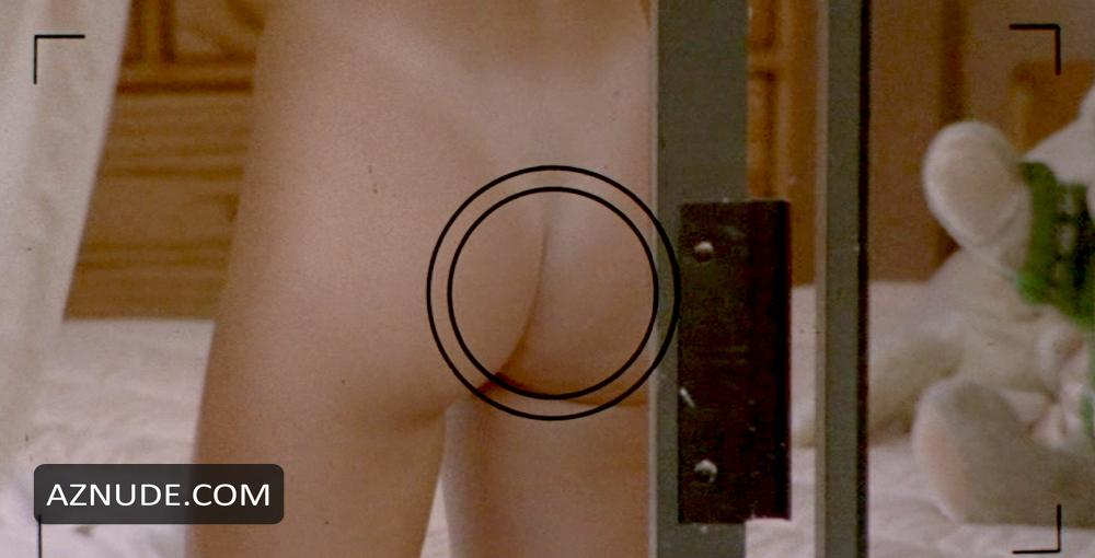 Angelina jolie topless nude tits scene on scandalplanetcom - 1 part 3