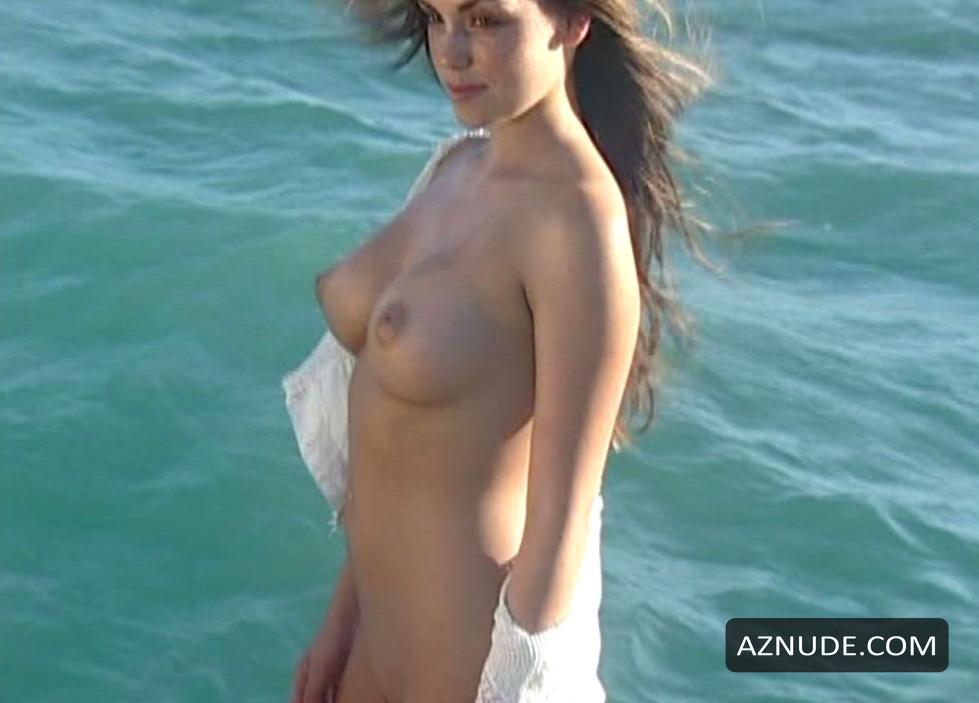 Alexandra daddario nude scene in true detective series scandalplanetcom 2
