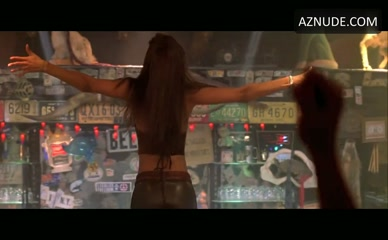 TYRA BANKS in Coyote Ugly