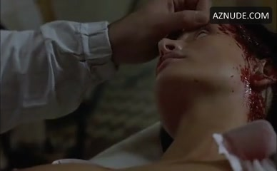 VIOLETTA KOLAKOWSKA in The Healer