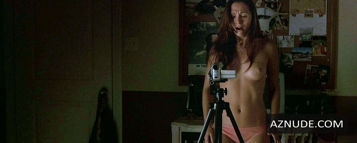 Hollow man 2 nude scenes Non