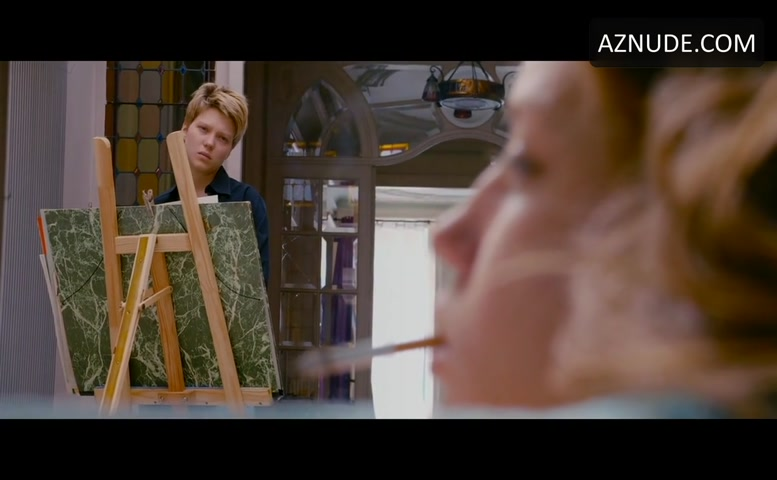 Adele Exarchopoulos Butt, Breasts Scene In Blue Is The -5148
