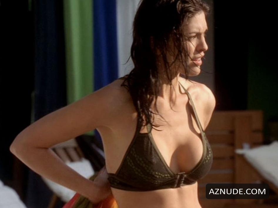 Alana De La Garza Nude Video