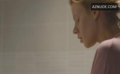 Aleksandra Rebenok  nackt