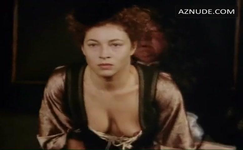 Alex kingston topless, naked pictures of karen velez
