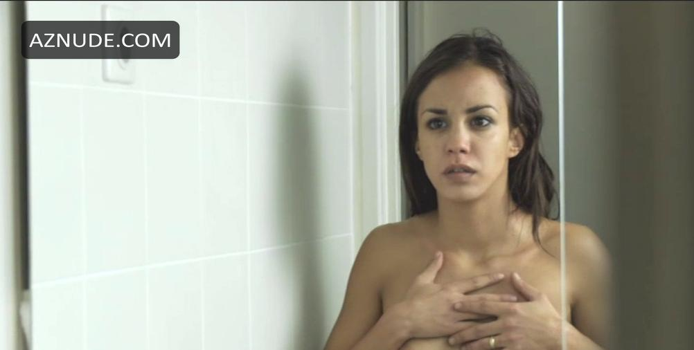 Angelina jolie nude topless and sex takin lives 2004