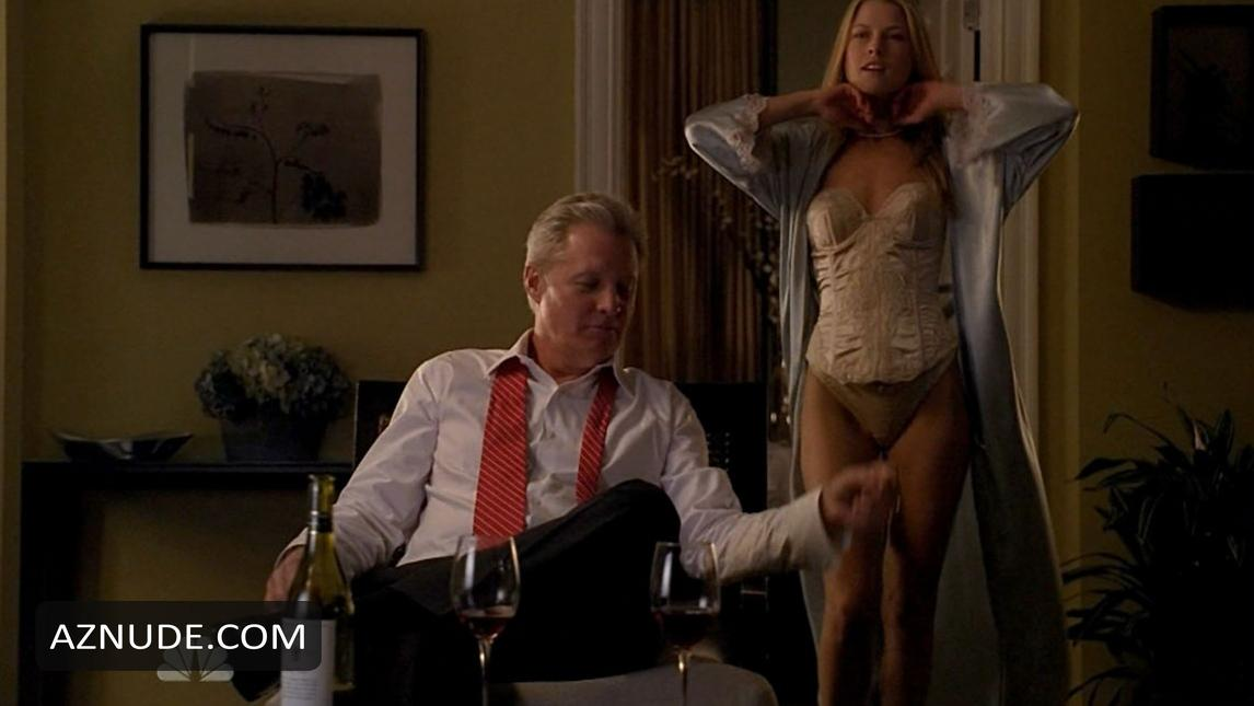 Ali larter gets humped by a strap